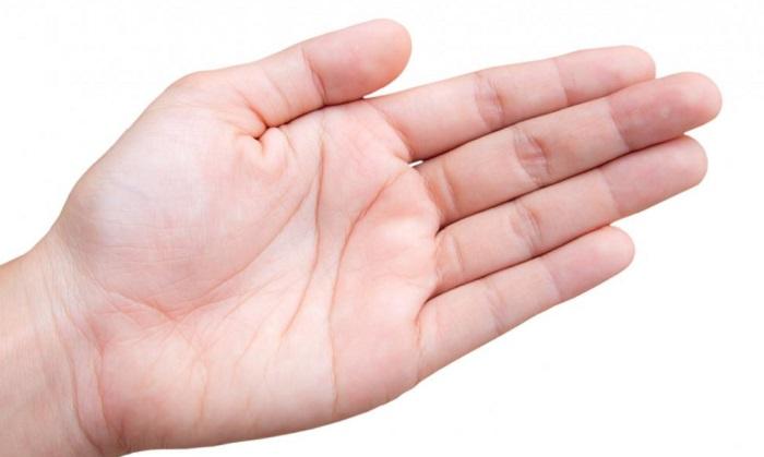 علت پوست پوست شدن کف دست