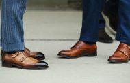 چگونه رنگ کفش را مشکی کنیم؟